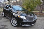 2015 Lincoln MKT Base Sport Utility 4-Door